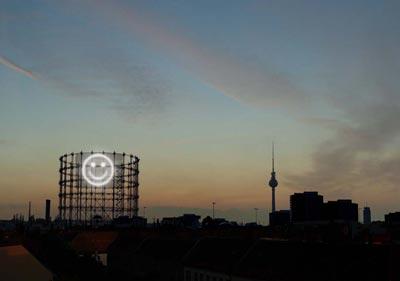 Nightscreen – Gasometer